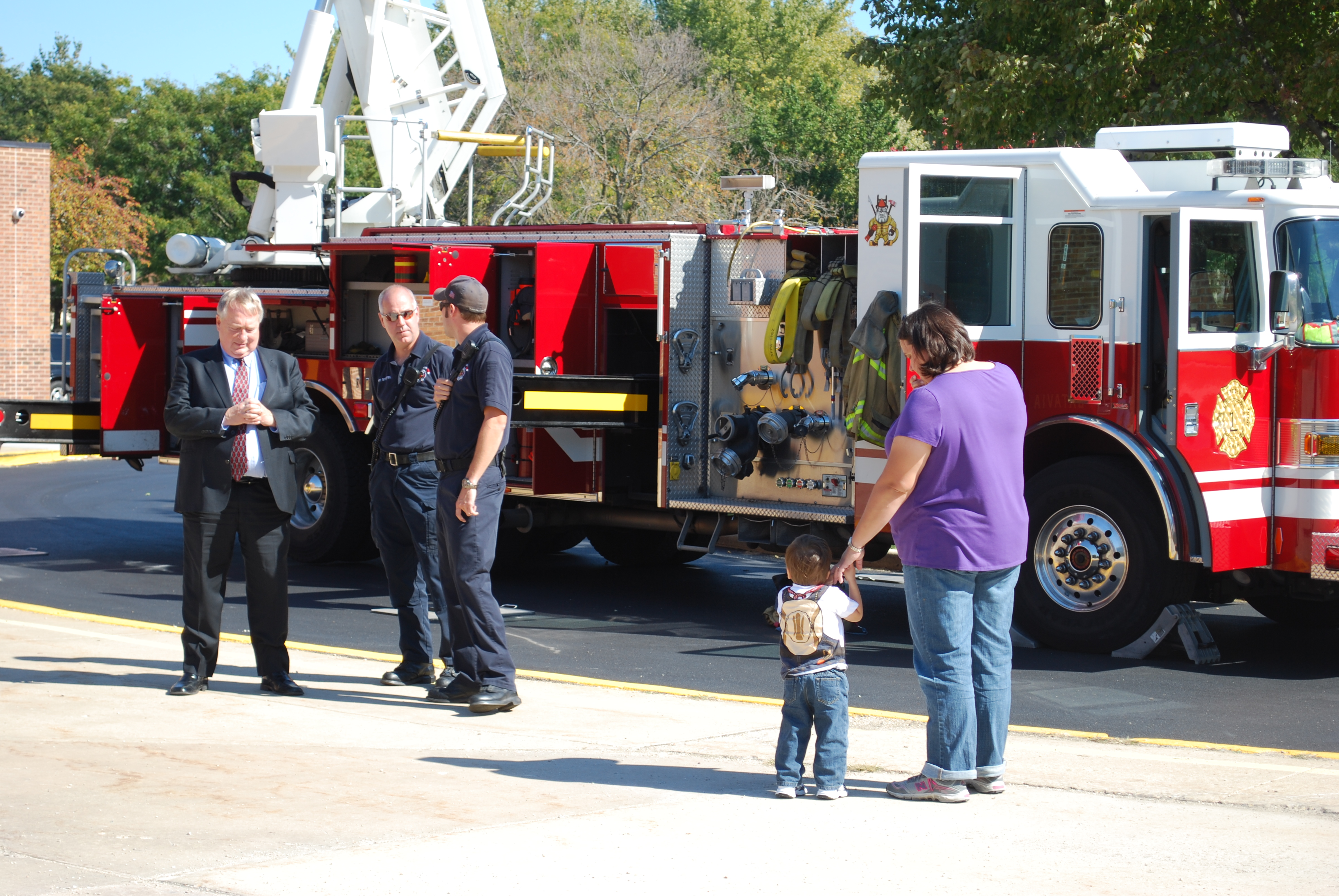 storm-school-batavia-lunchtime-play-and-firetrucks-006